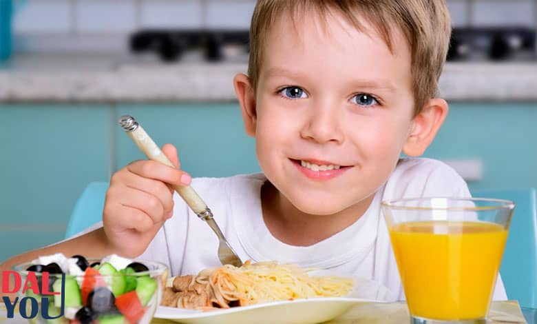آداب الطعام والشراب للأطفال